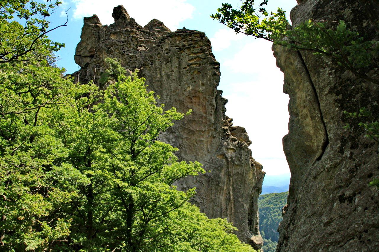 Эрозия превратила скалы в причудливые скульптуры