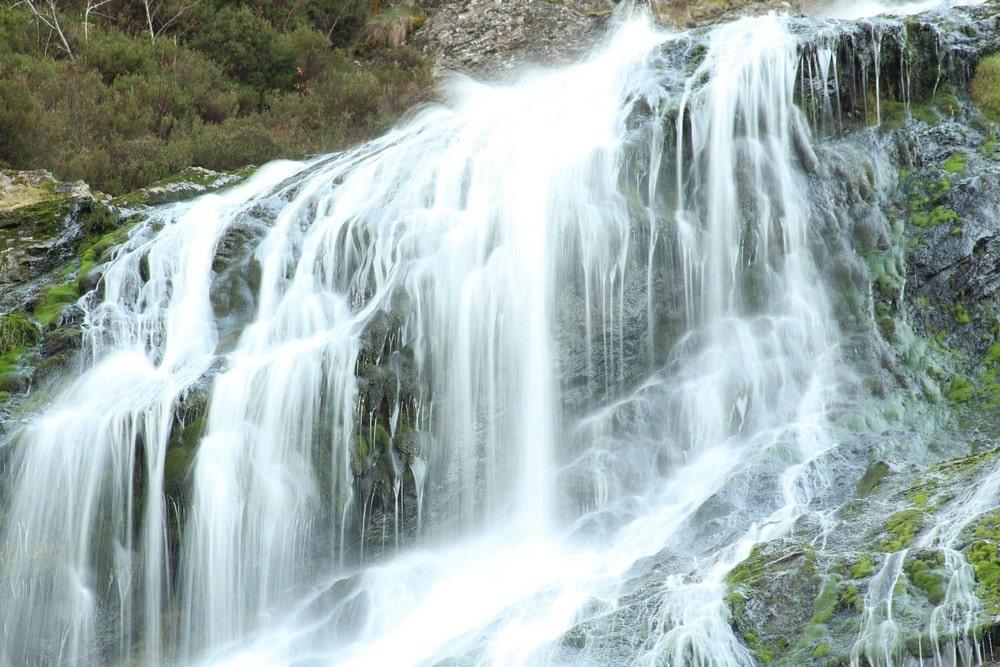 Один из самых высоких водопадов в Карелии находится в 30 километрах от Питкяранты