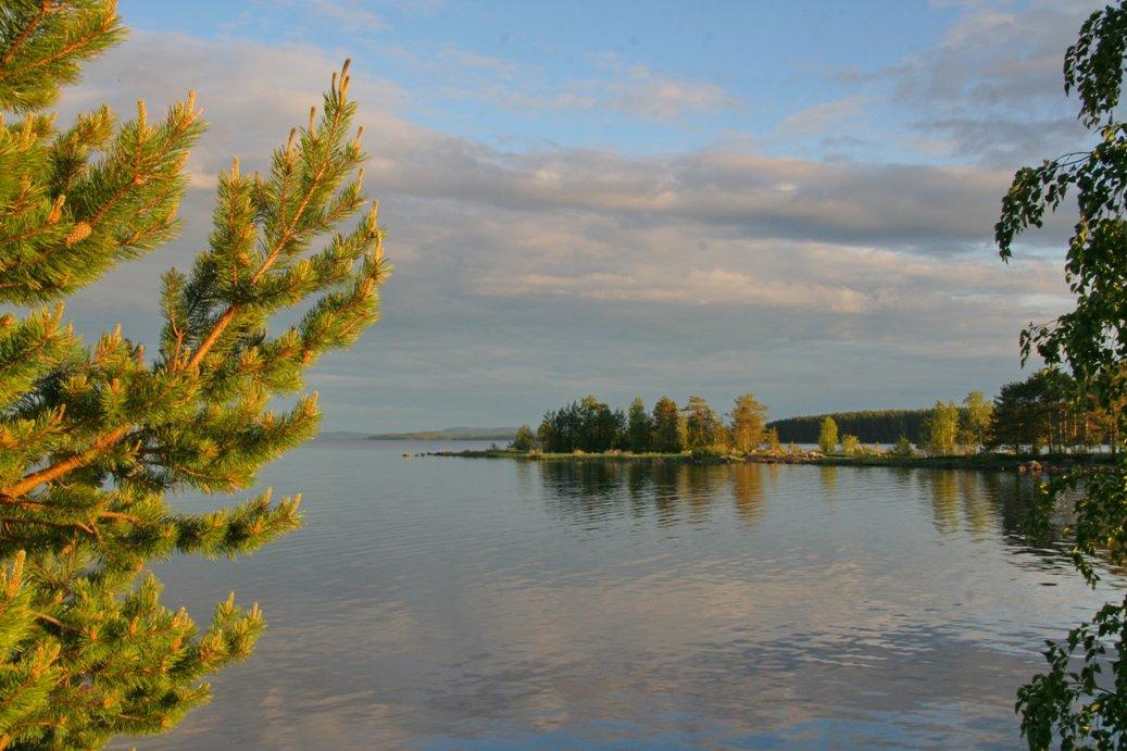 Карельские озера очень живописны