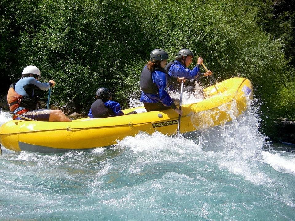 Река пользуется популярностью у любителей сплавов