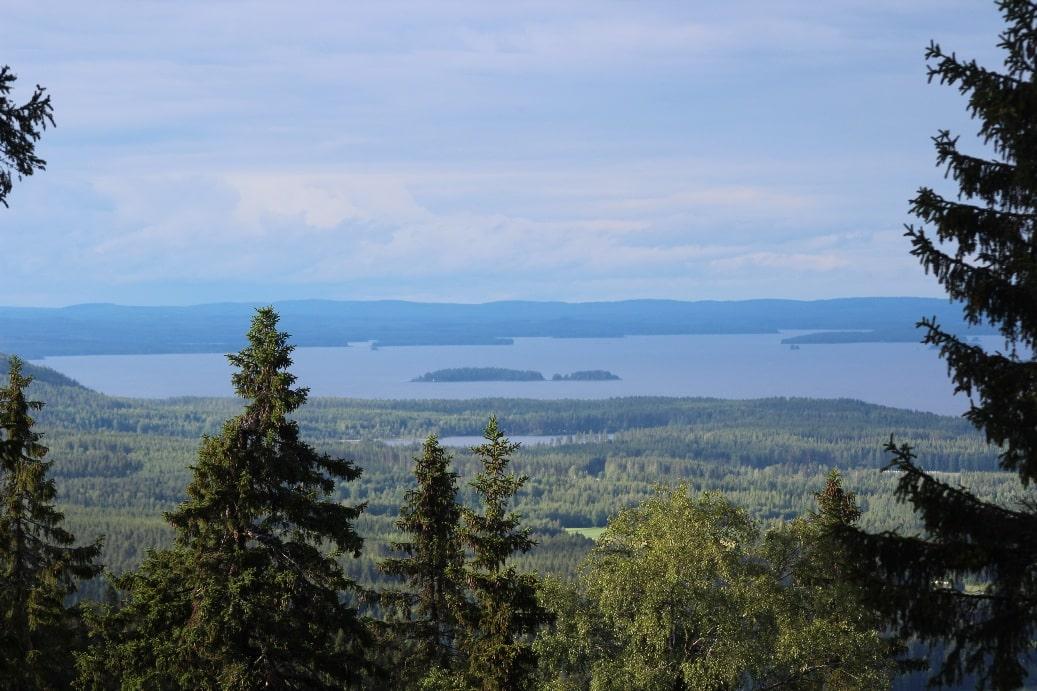 Кольский полуостров можно назвать «страной озер»