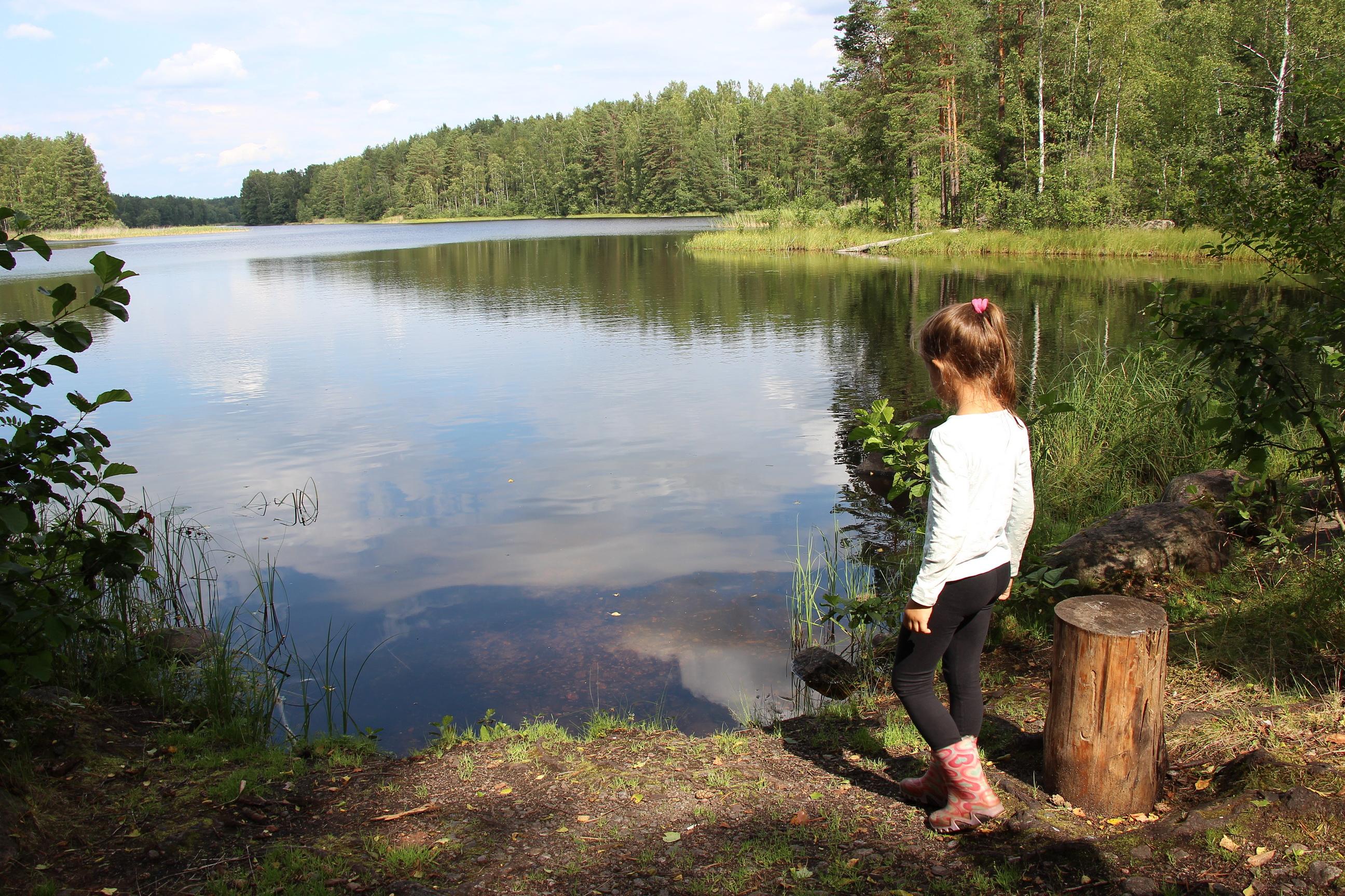 Река превращается в озеро, а потом снова становится рекой