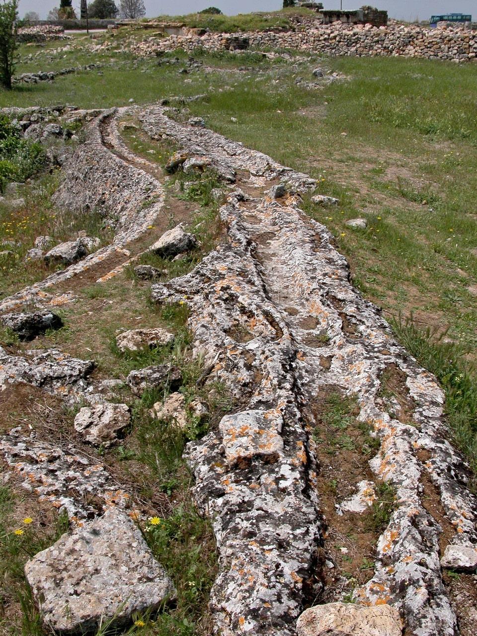 Античный каменный водовод действует и поныне
