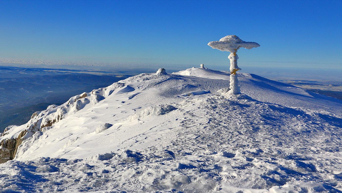 Зима на Чатыр-Даг