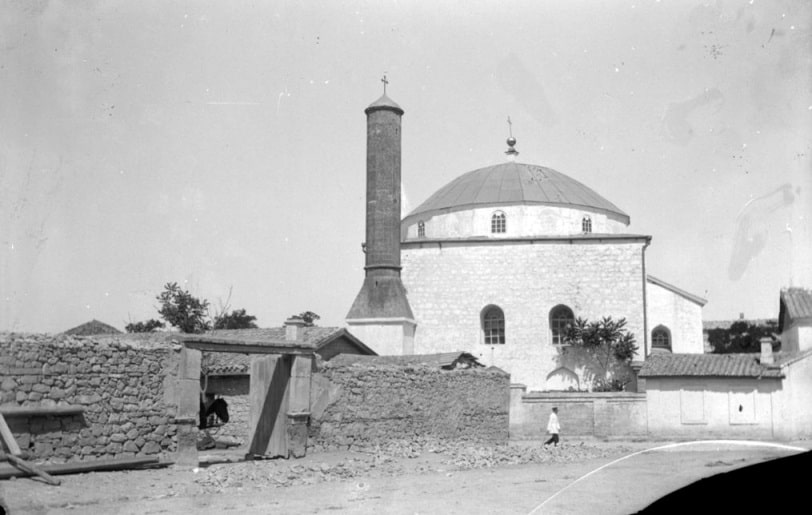 Мечеть Муфти-Джами в бытность христианским храмом, фото 1897 года