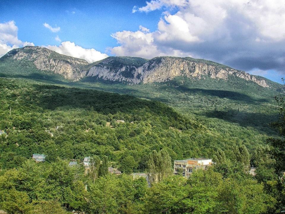 Яйла - гора с плоской вершиной