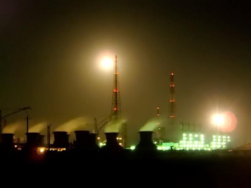 Градообразующий предприятием является комбинат «Невинномысский азот»
