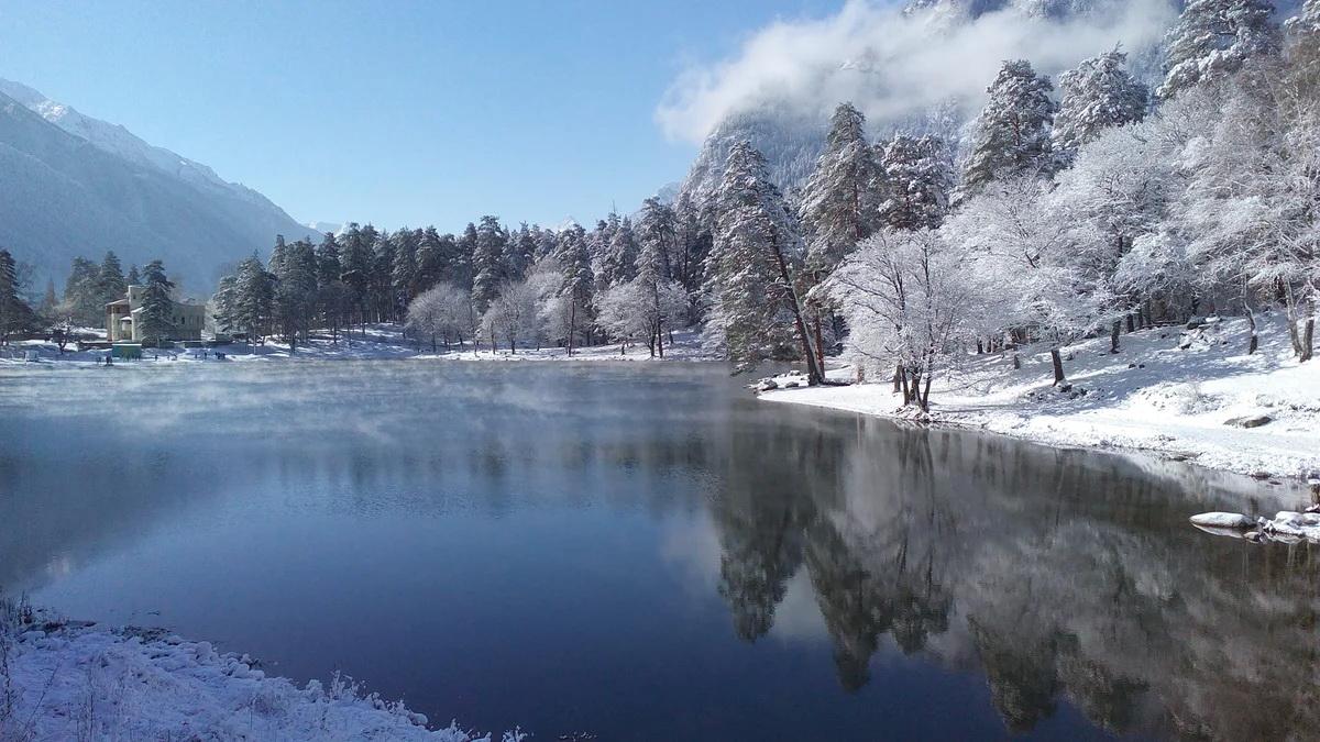 Река Теберда зимой