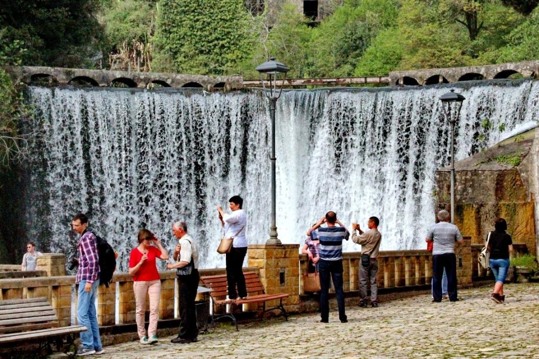 Рукотворный водопад в Новом Афоне