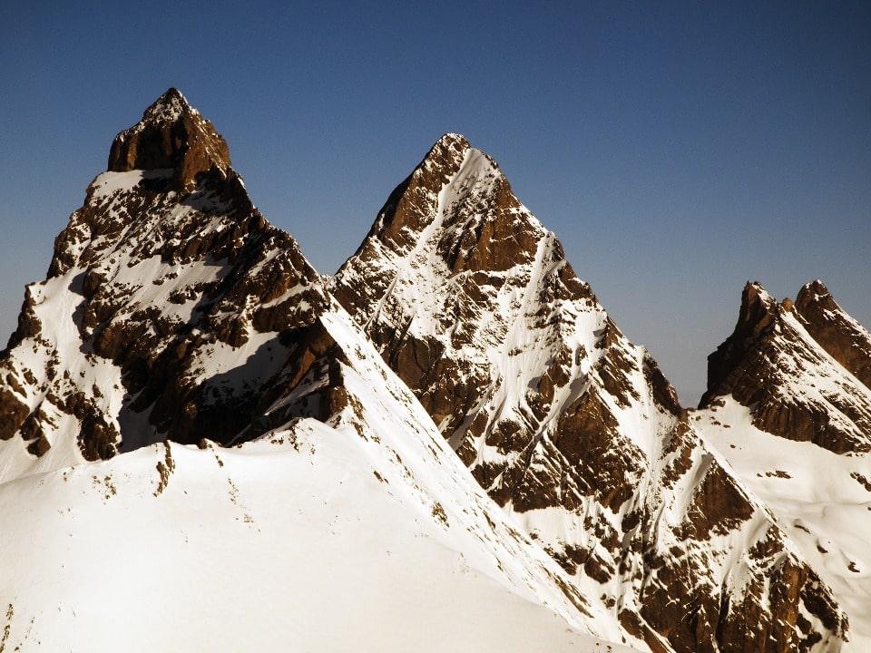Горный район включает три десятка крупных вершин