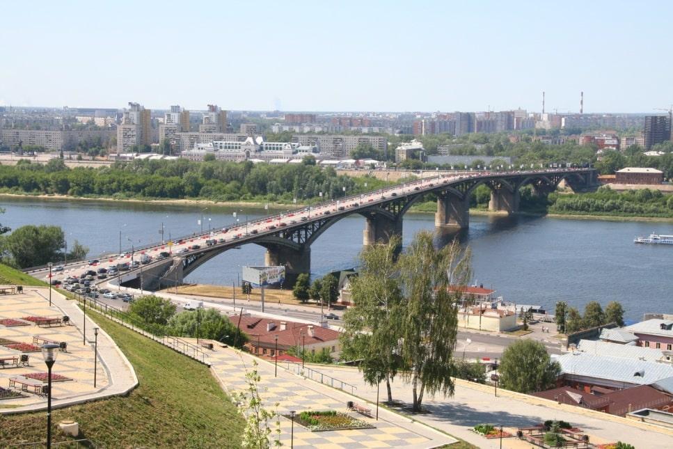 Вид с Гремячей горы на Канавинский мост