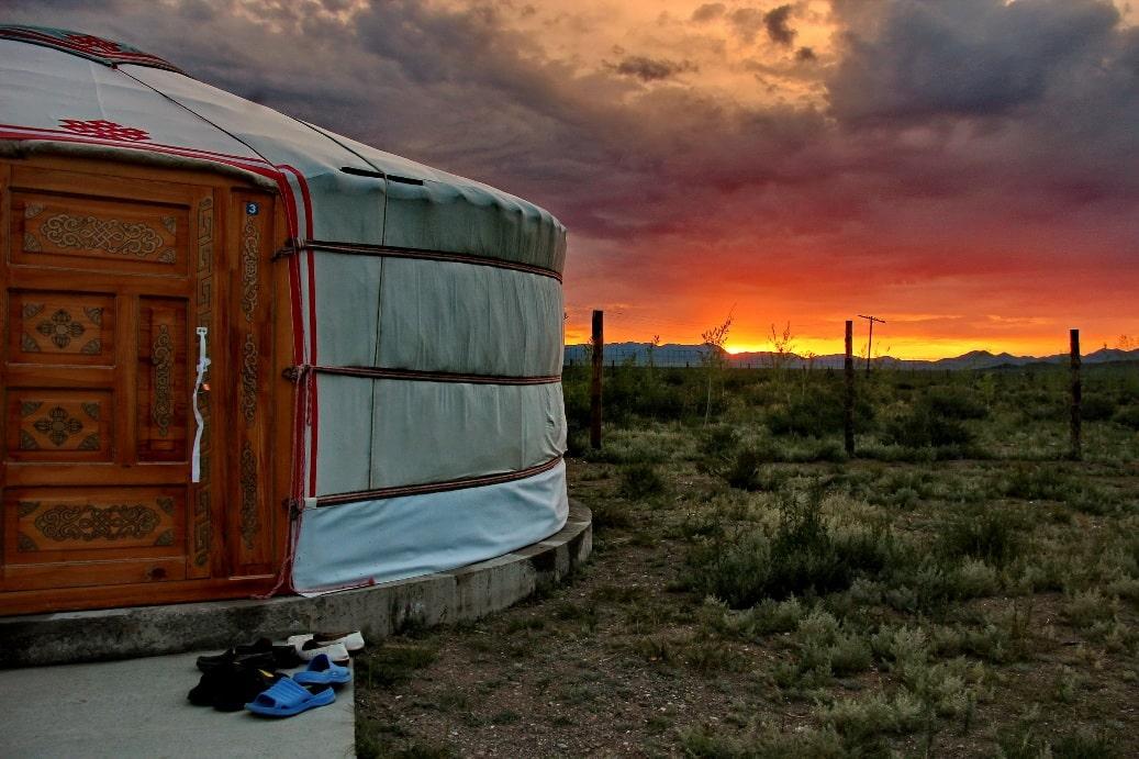 В туркомплексе «Кочевник» можно переночевать в юрте