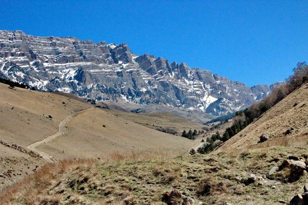 Кавказ поражает грандиозными ландшафтами