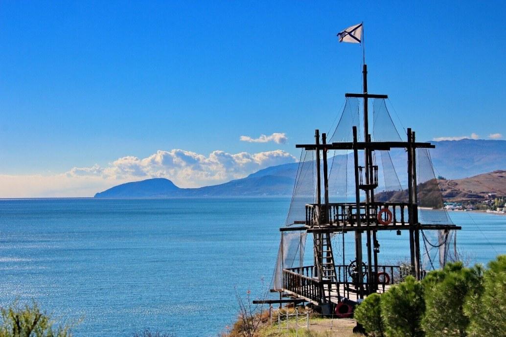 Черноморское побережье в районе Фороса