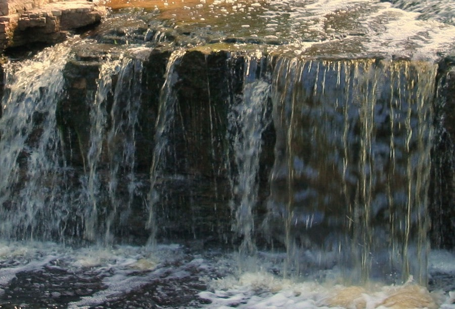 Водопад образовался более 10 тысяч лет назад