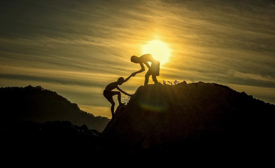 Для восхождения на гору не требуется альпинистской подготовки и специального снаряжения