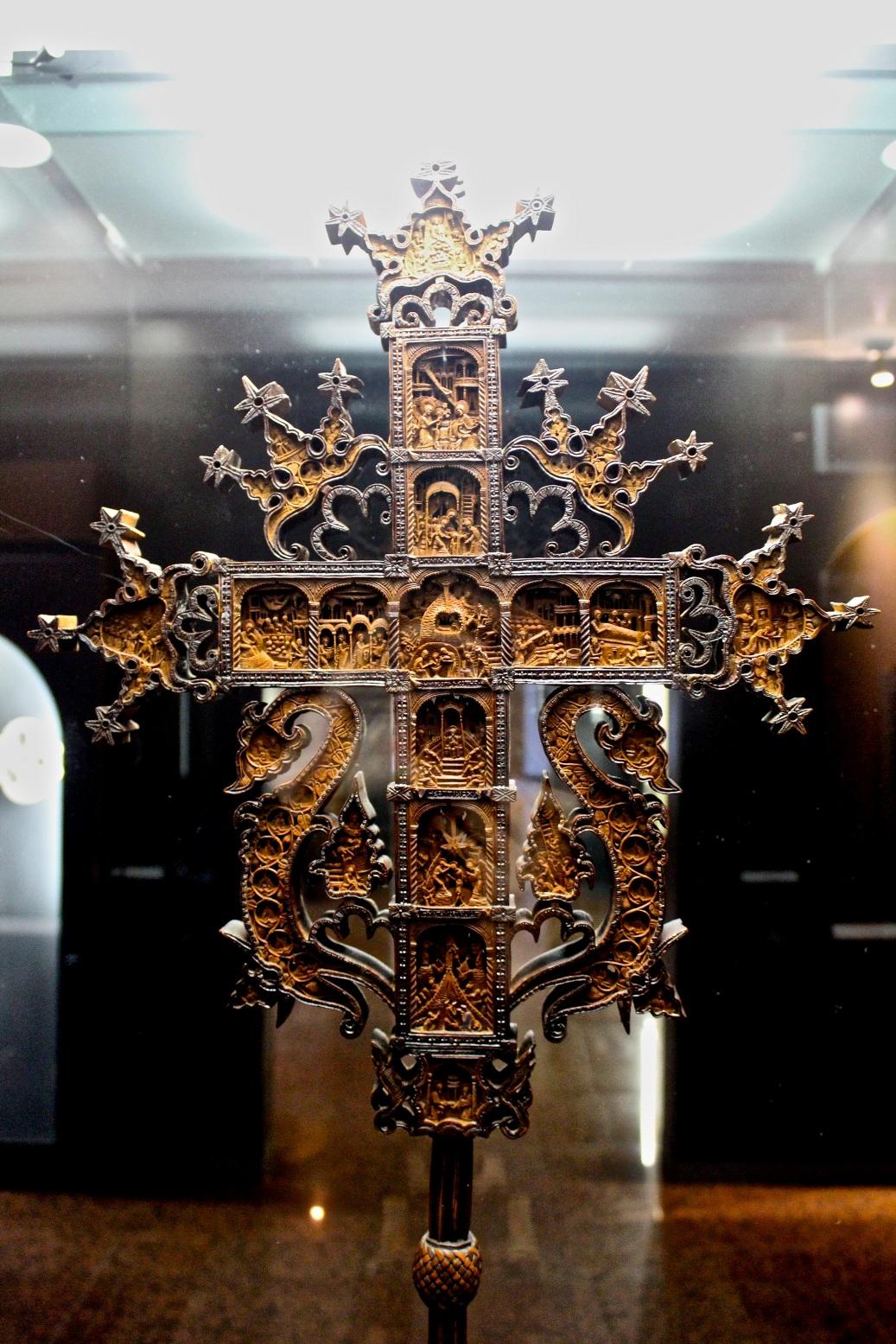 Крест Рафаила