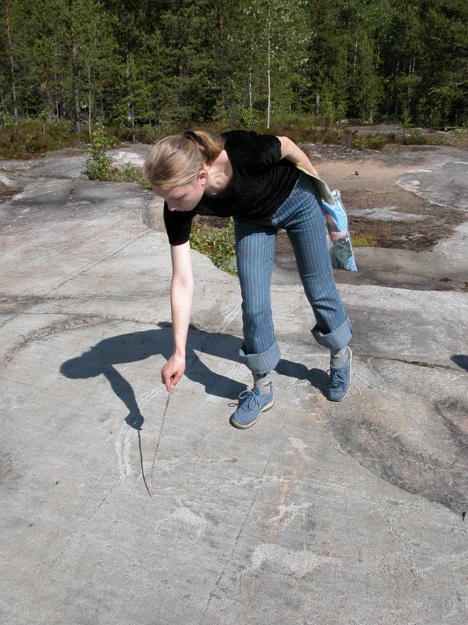Для желающих увидеть петроглифы организует экскурсии