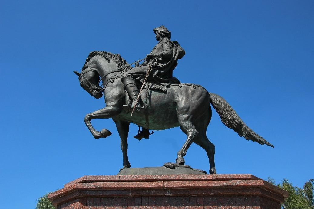Памятник Петру I в Бийске
