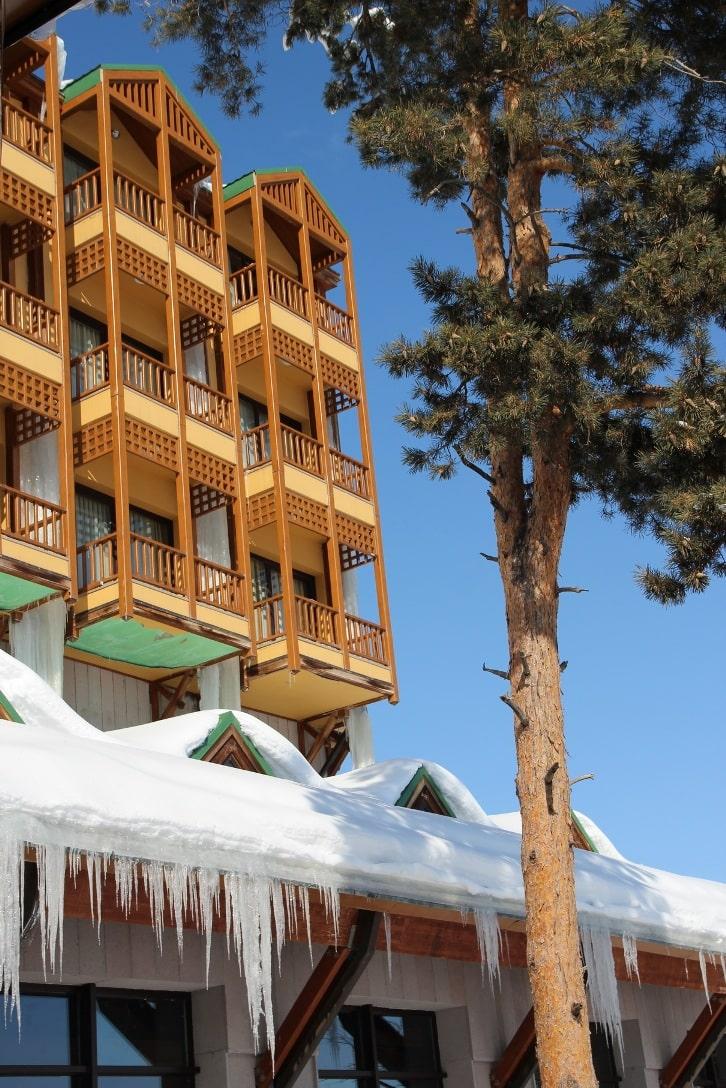 В Приэльбрусье насчитывается более 70 мест размещения