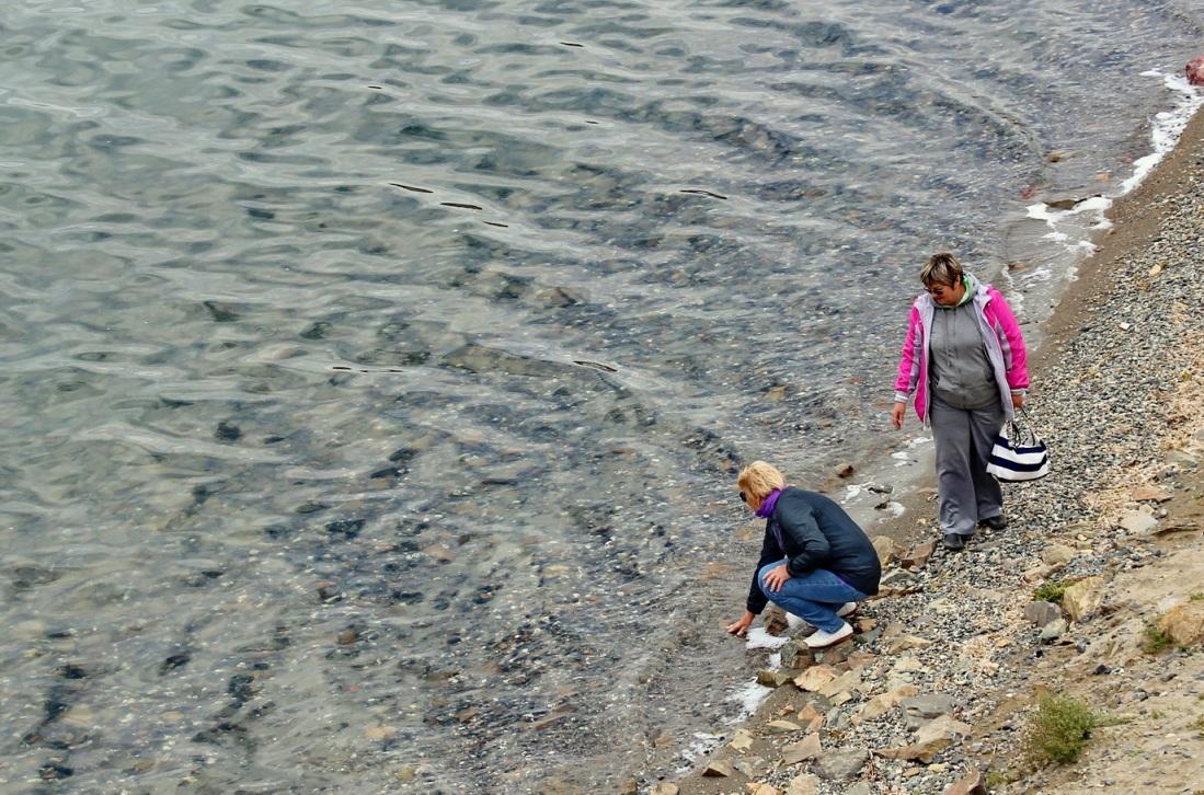 Вода в озере отличается кристальной чистотой