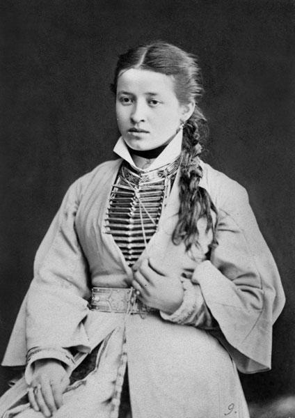 Женский осетинский костюм, 1883 год