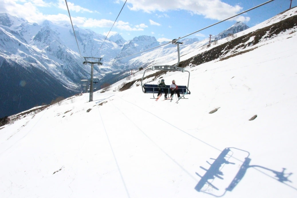 Зона катания расположена на высотах от 1870 до 3040 м
