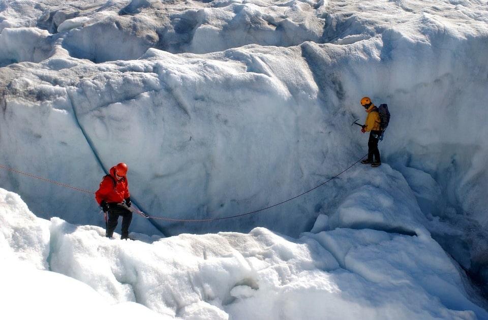 Толщина льда колеблется от 20 до 80 метров