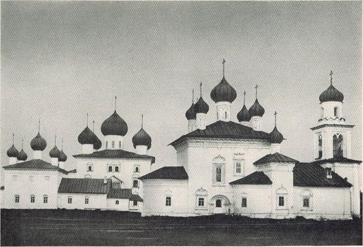 Благовещенская (Торговая) площадь Каргополя на фотографии 1901 года