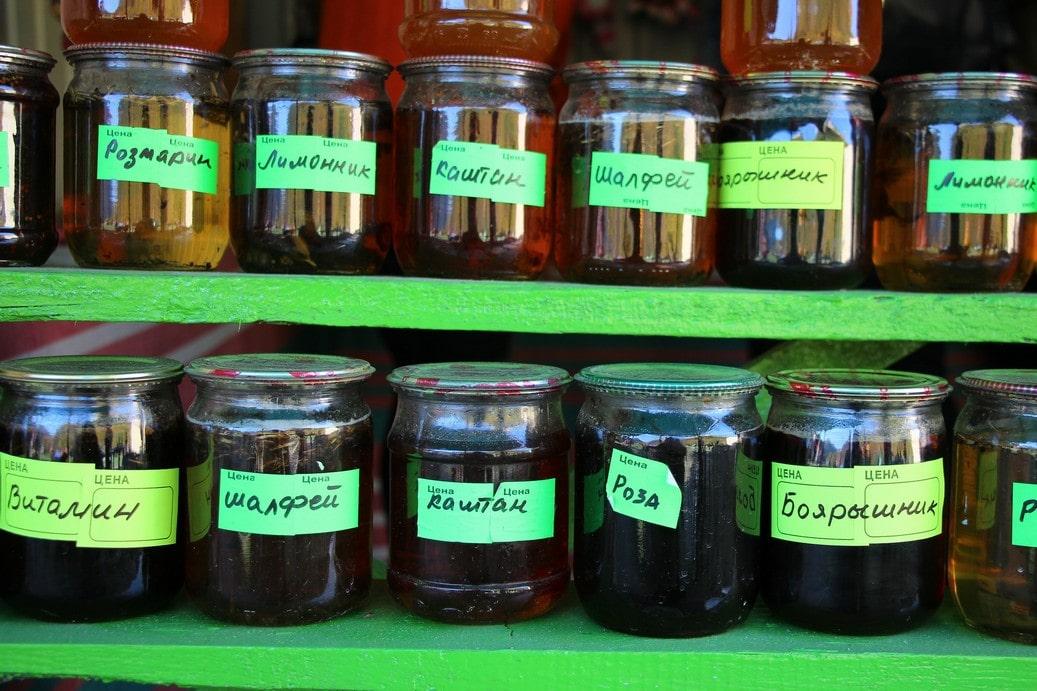 После завершения прогулки можно купить продукцию горных пчел