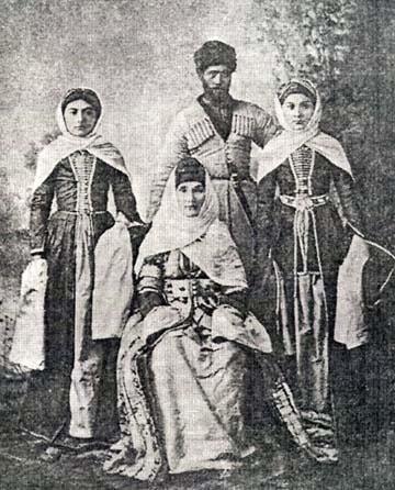 Терскол был родовым аулом семьи балкарцев