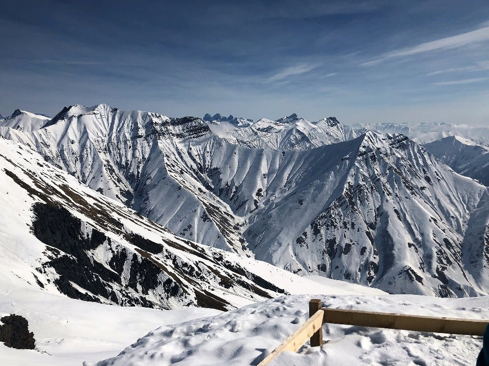 Курорт расположен на северных склонах Большого Кавказа