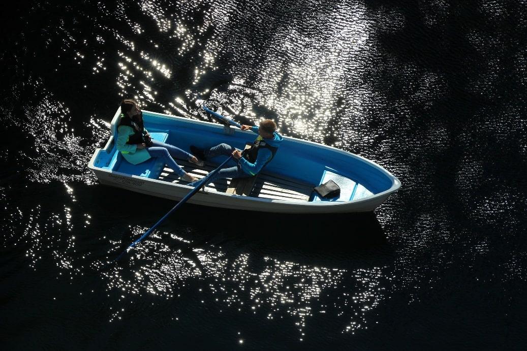 Прогулка на лодке по Мраморному озеру