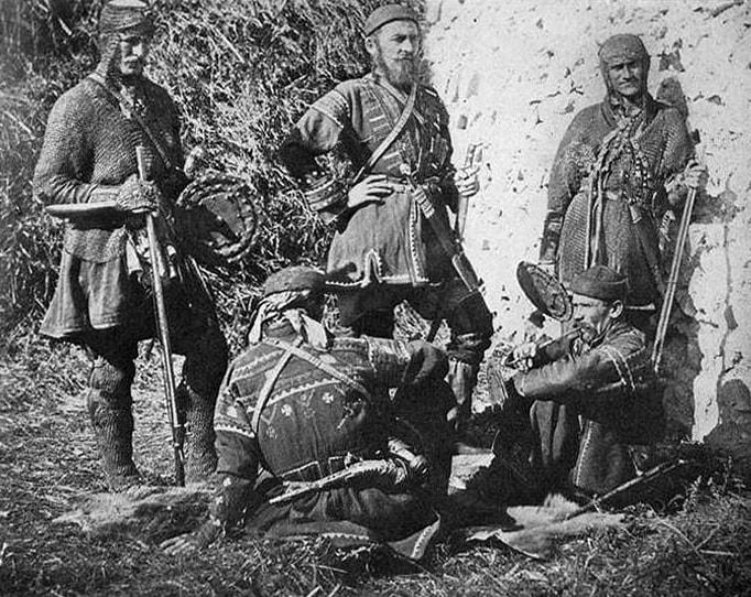 Хевсуры в традиционных костюмах и доспехах, 1901 год