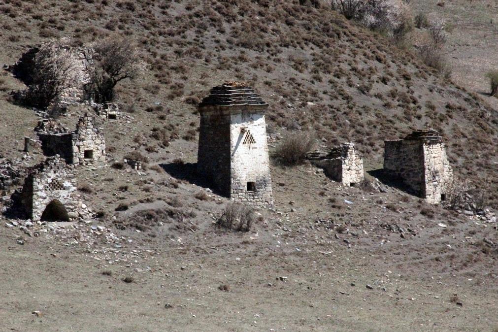 Сванетия славится средневековыми башенными комплексами