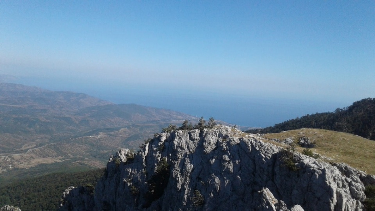С вершины открывается великолепная панорама
