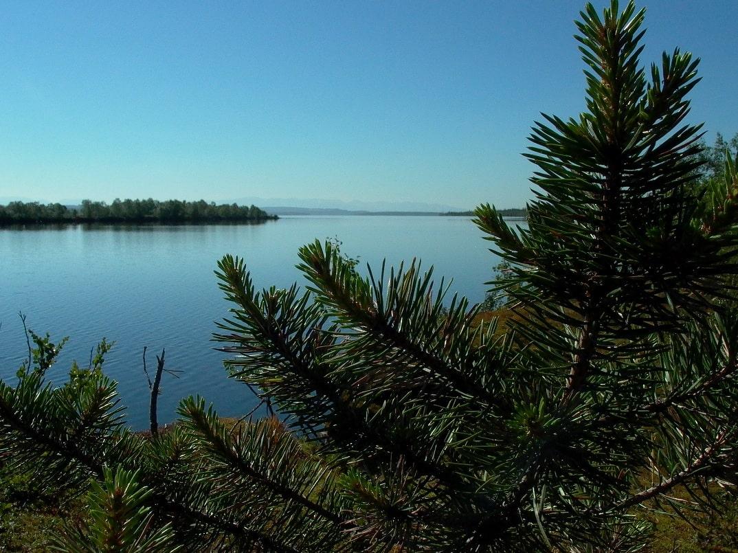 В Ловозере имеется 140 островов
