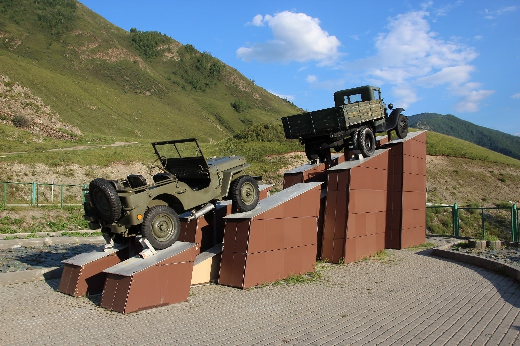 Памятник шоферу Кольке Снегиреву