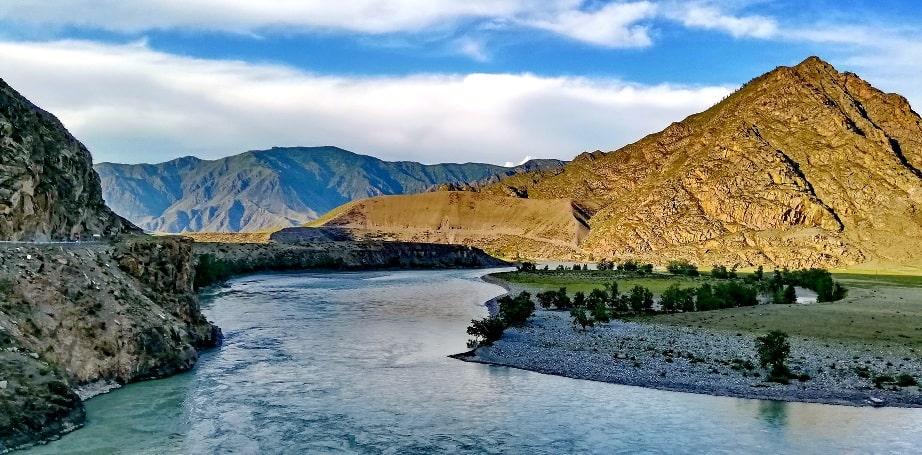 Заповедник назван по реке Катунь