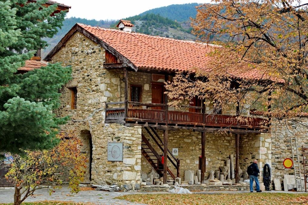 В городе царит типичная атмосфера сербской провинции