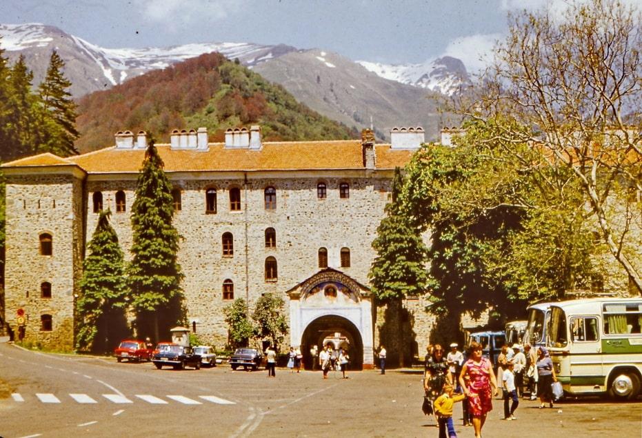 Главные ворота монастыря