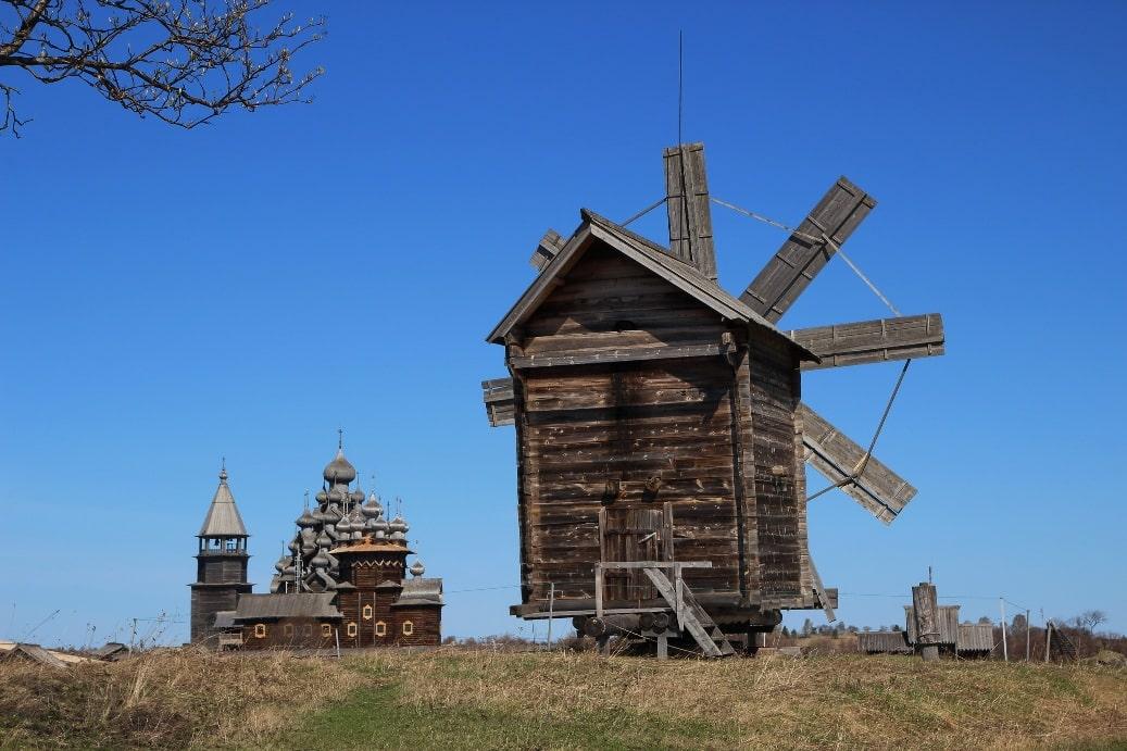 Ветряная мельница из деревни Волкостров