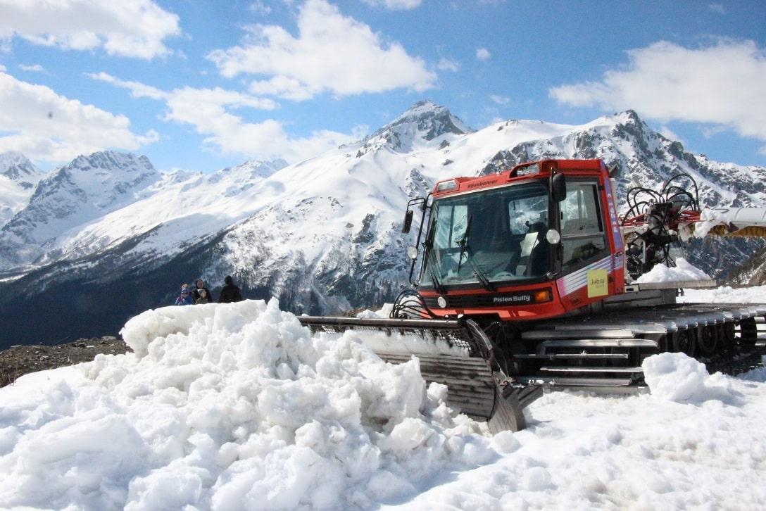 Больше всего снега выпадает на южных склонах