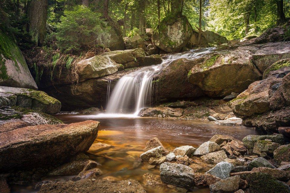 Главным украшением реки являются водопады