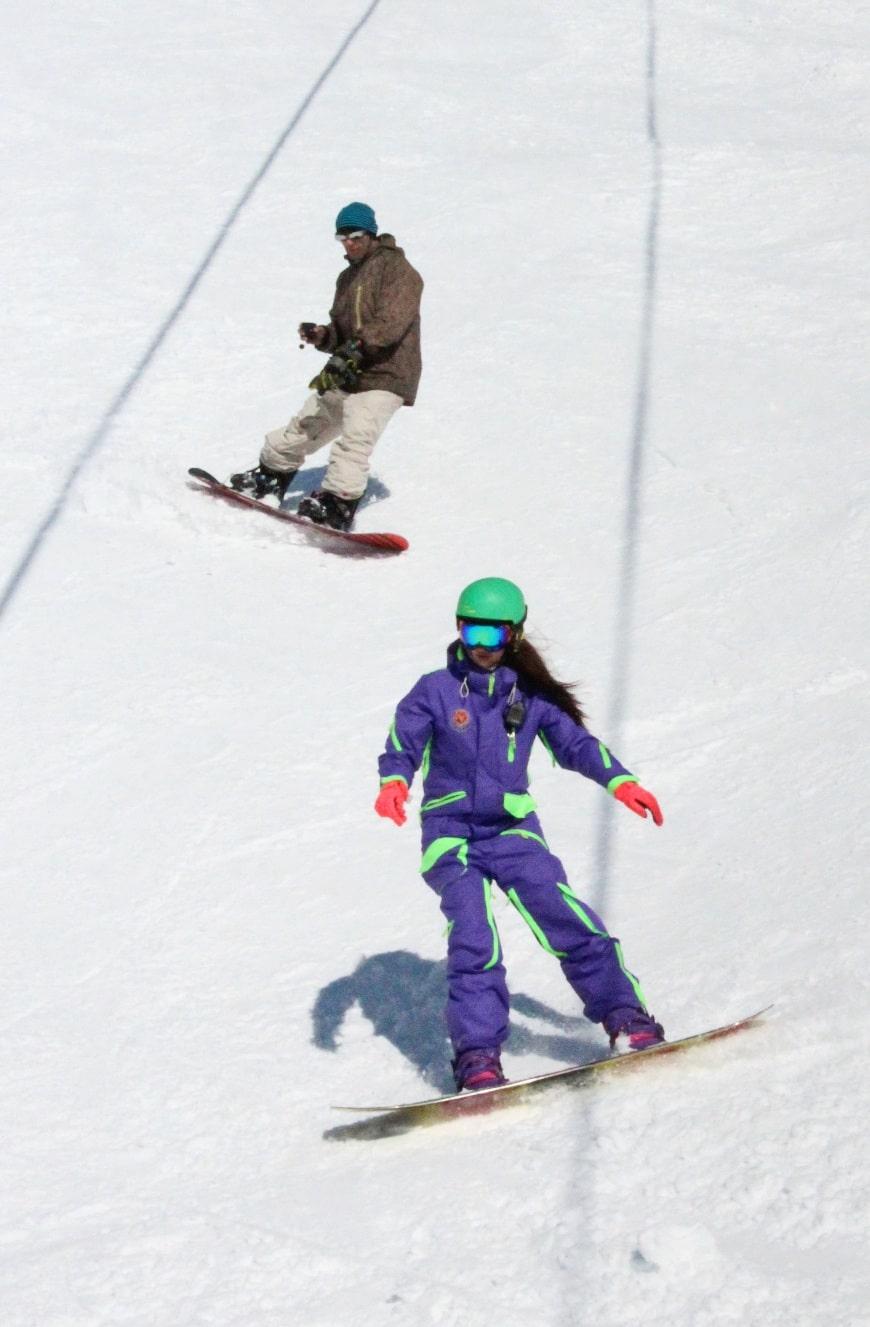 В Елизово приезжают покататься на горных лыжах и сноубордах