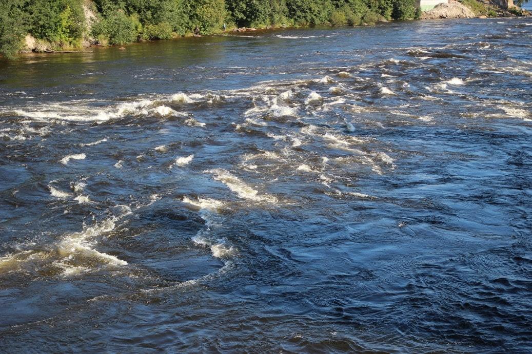 Река хороша тем, что сложность порогов от истоков к устью увеличивается постепенно