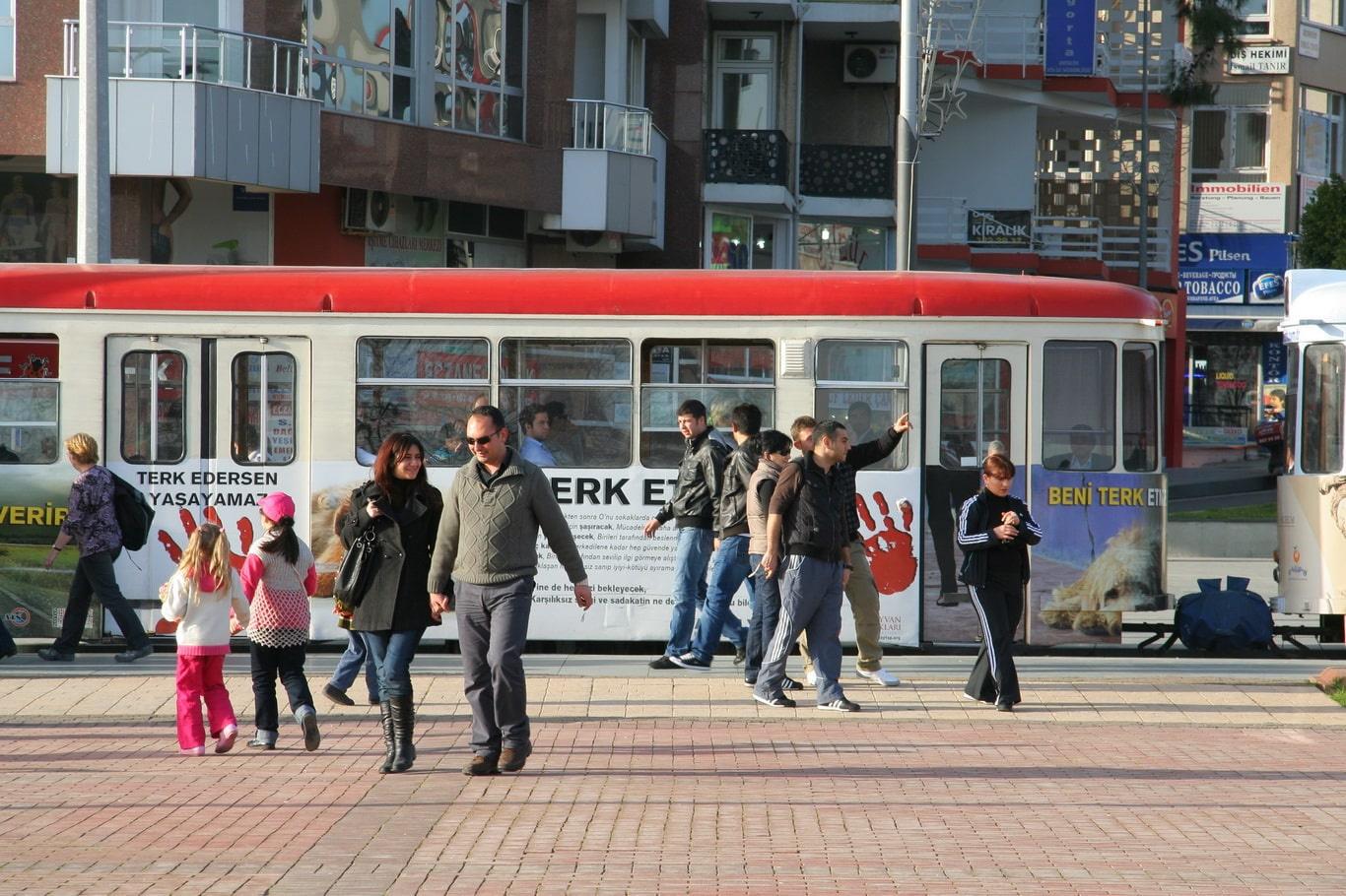 Стоит прокатиться на анталийском трамвае