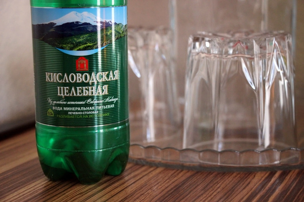 В Горячем Ключе стоит попробовать минеральную водичку из соседнего региона