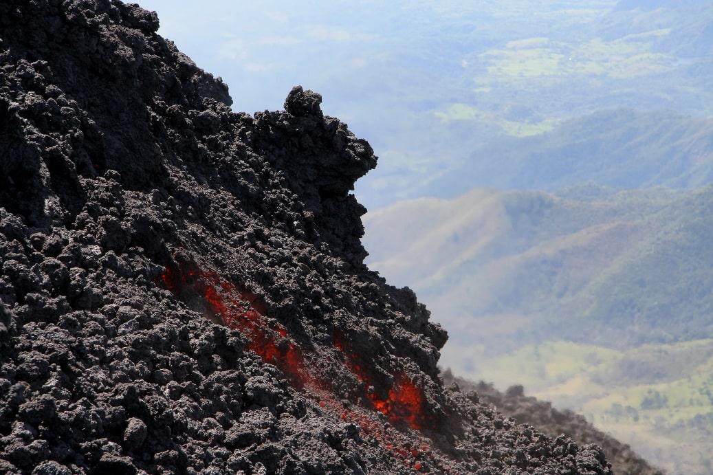 Когда-то по склонам Эльбруса текла огненная лава