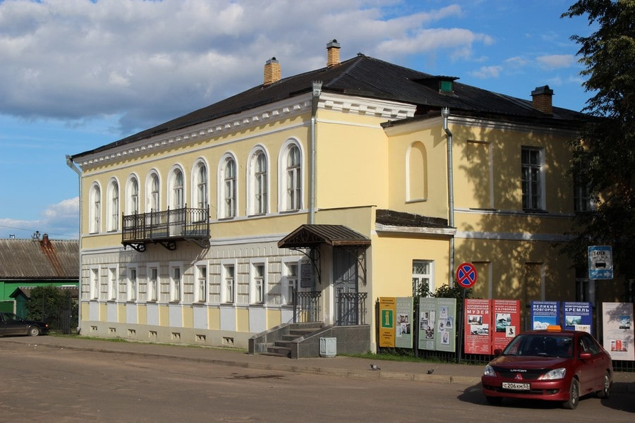 В городе сохранилось немало старинных построек